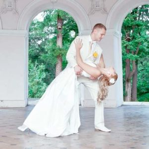 Подготовка танца молодоженов