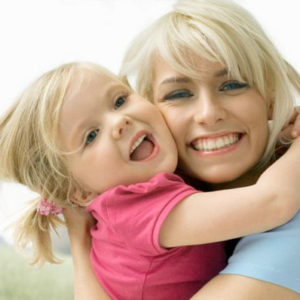 Взаимоотношения дочери и мамы: методы сближения со своим ребенком