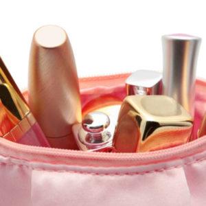 9 базовых косметических средств, которые должны быть в каждой косметичке
