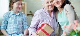 Как сделать подарок для бабушки?
