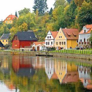 10 стран, куда можно поехать этой осенью