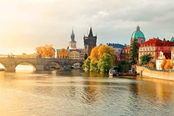 10 стран, куда можно поехать этой осенью (фото)