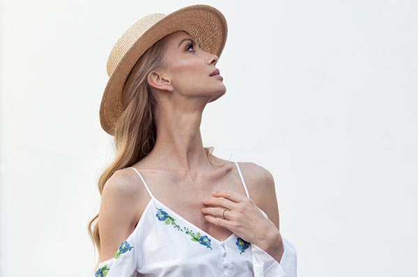10 правил ухода за кожей шеи и декольте