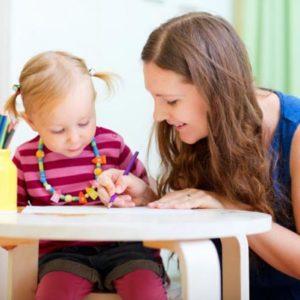 Попросили посидеть с ребенком: как развлечь малыша?