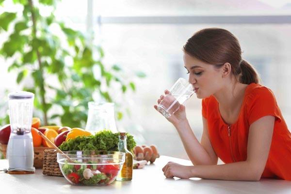 Как спастись от жары с помощью правильного питания